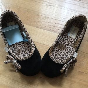 Shoes - Women's slippers. Great Christmas gift!!